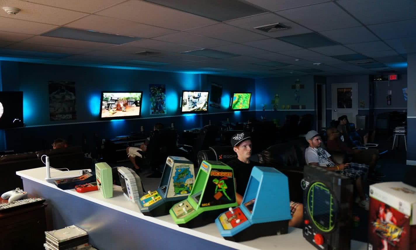 Video Game Lounge | Gamers Paradise